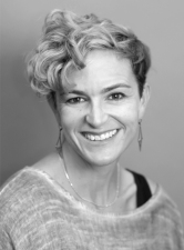 Kristin Varner headshot_200